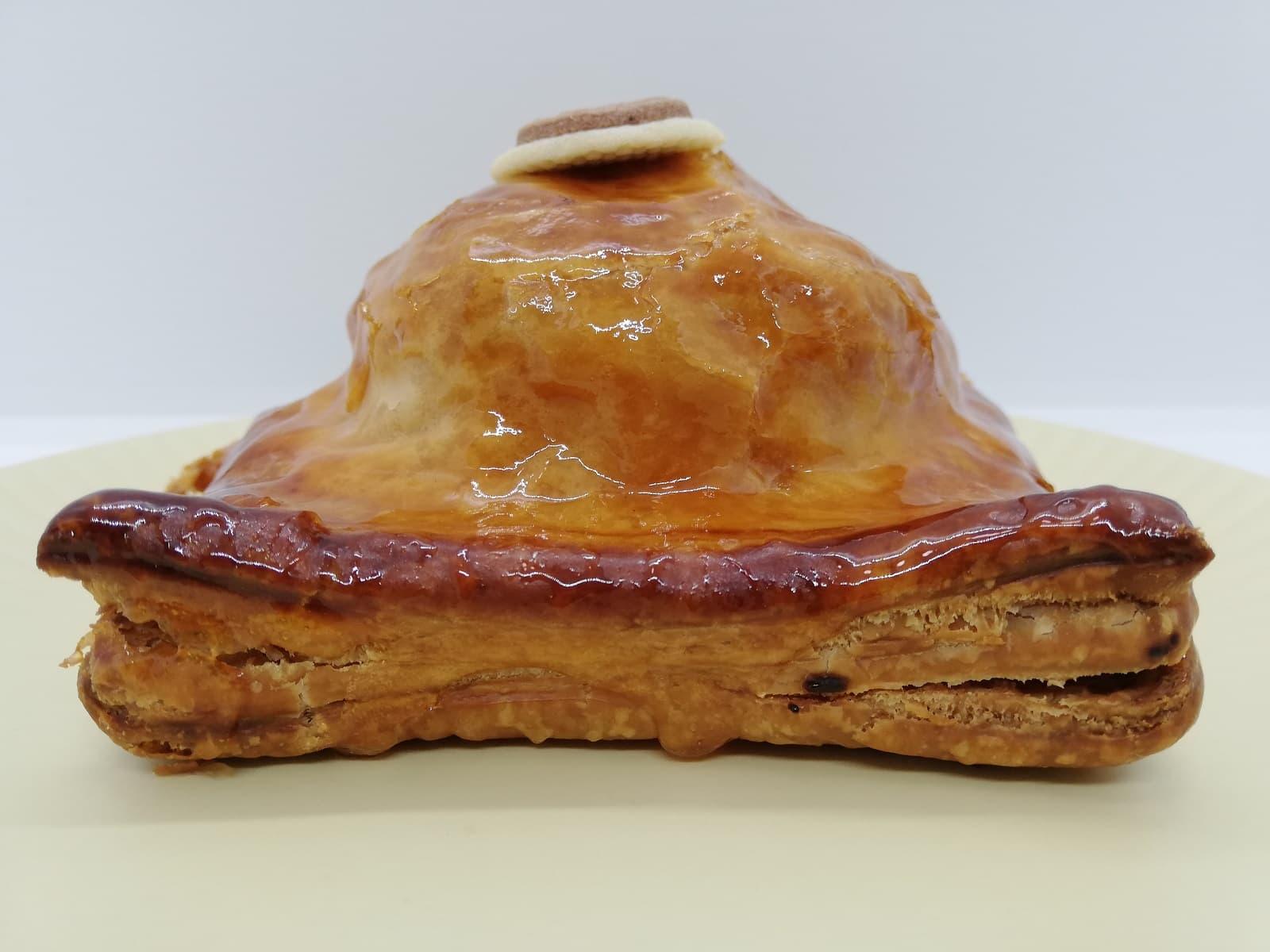 ユーハイムの鯉アップルパイのパイ生地