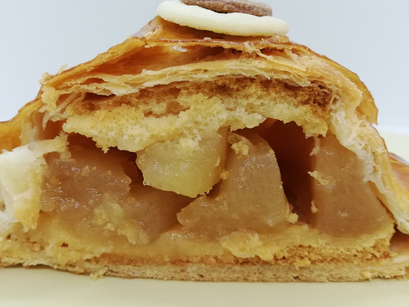 ユーハイムの鯉アップルパイのアップルフィリング