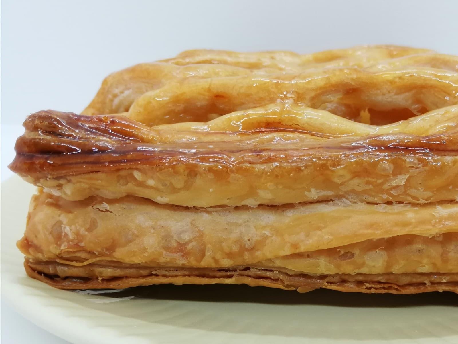 サクサクパリパリの食感がするル・パン神戸北野のアップルパイ